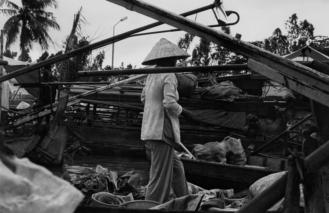 Woman in the floating market #01