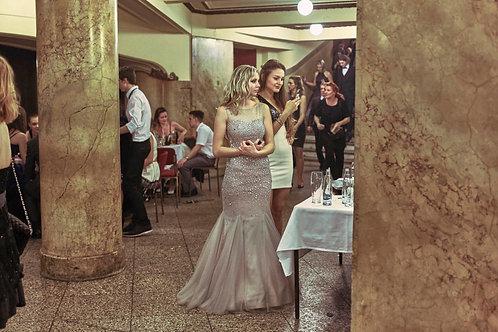 Girls facing the mirror