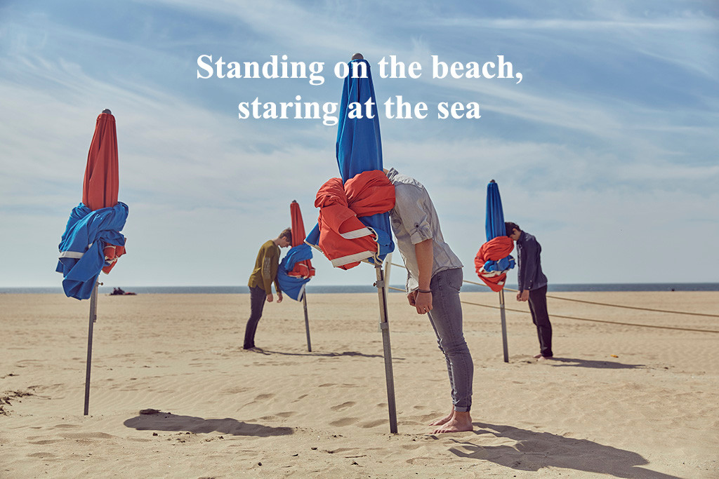 "Série ""Standing on the beach, staring at the sea"""