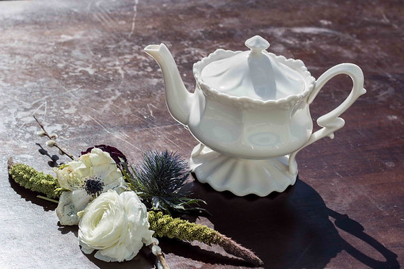 Getty Collection Vintage Teapot