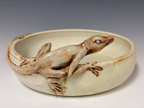 Small Bowl with Lizard by Ruben Ruiz