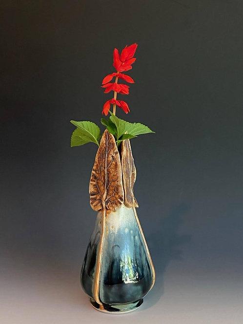 Bottle-Vase with 3 Leaves by Ruben Ruiz