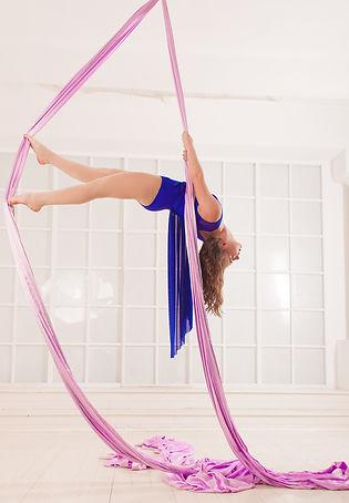 Гимнастика на воздушных полотнах, воздушная гимнастика, воздуные полотна, гимнастика Реутов, гимнастика Новокосино, гимнастика Новогиреево, гимнастика Балашиха, акробатика, воздушная акробатика