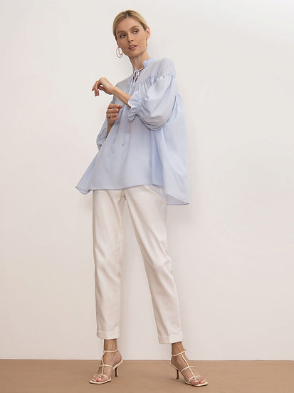 Блуза в небесном оттенке