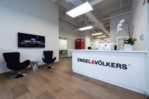 E & V Shiny Office Pics-19