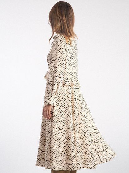 Платье с отрезной талией