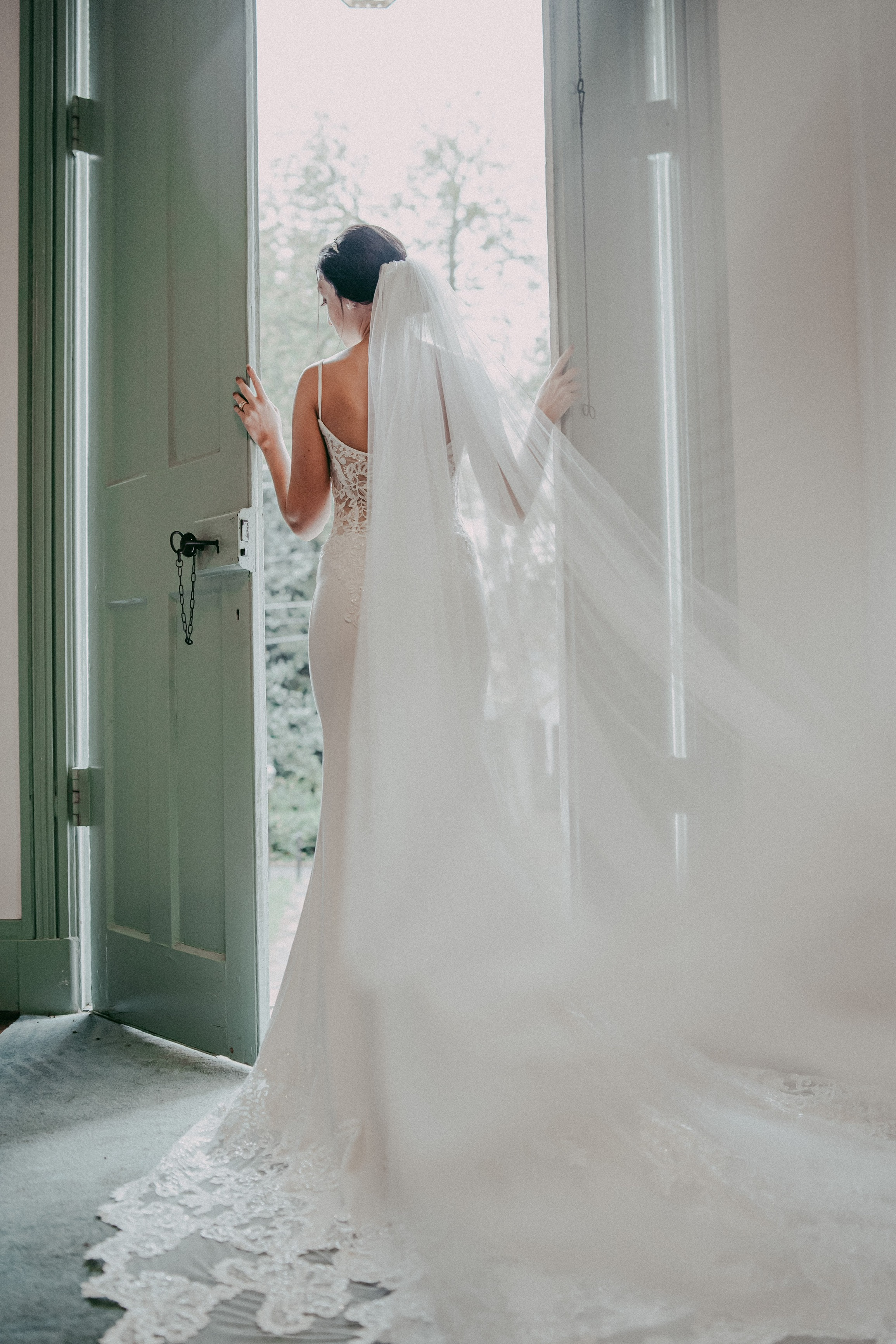 wedding venues set the mood and tone for wedding day