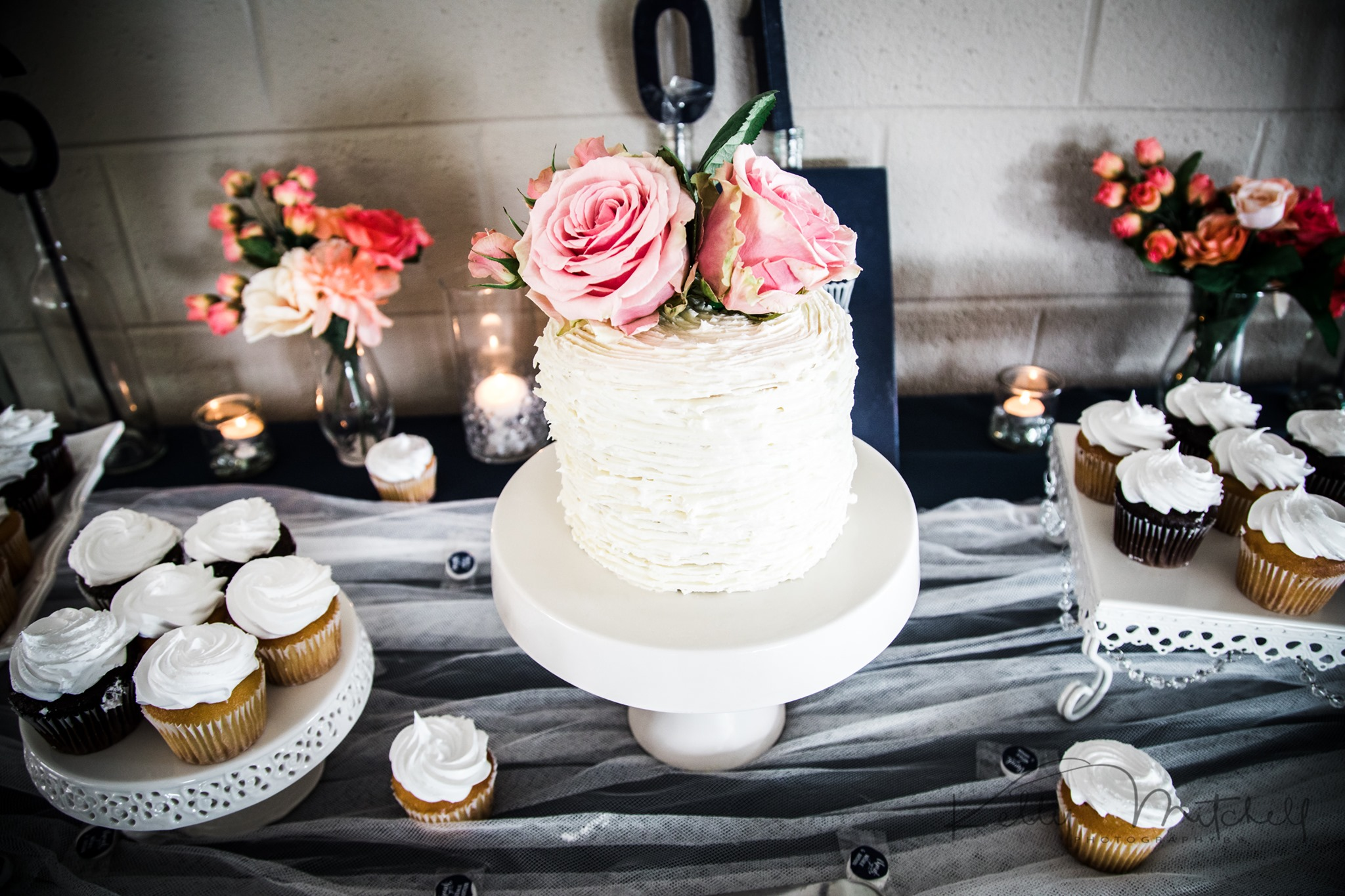 simple wedding cake, flower wedding cake, dessert table, maryland wedding cake, mother of the groom