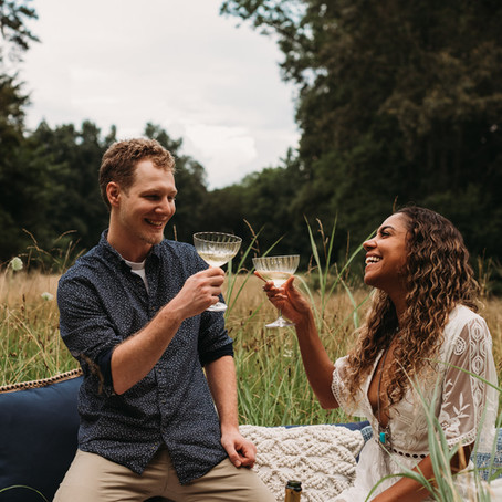 4 Easy Ways To Get Beautiful, Out-Of-The-Ordinary Engagement Photos
