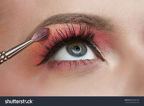 eyebrow-makeup-long-eyelashes.jpg