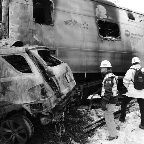 Metro_North_accident_at_Valhalla,_NY_-_1_edited.jpg