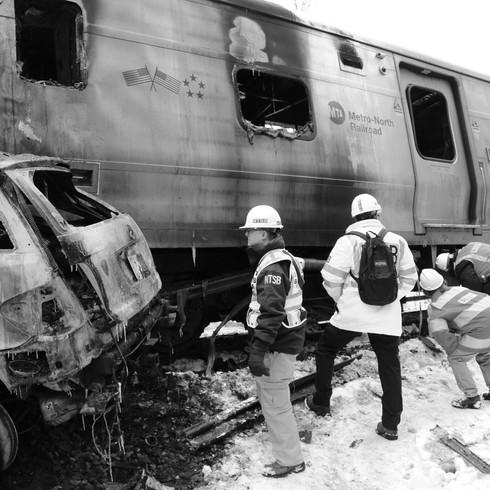 Metro_North_accident_at_Valhalla,_NY_-_1