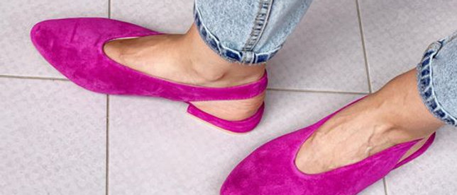 Fuchsia flat shoes