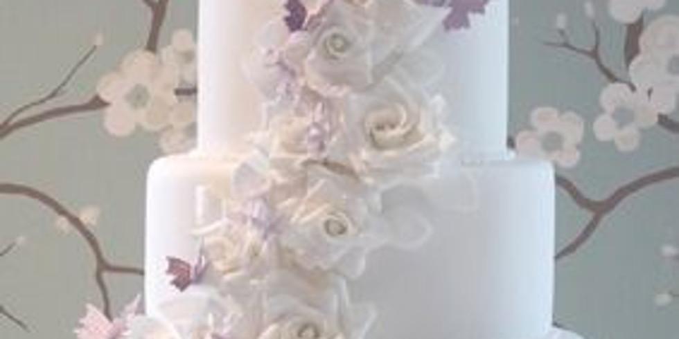 Clase de pastel de tres leches  4 pisos y Decoracion en chantily Costo $150 Charlotte