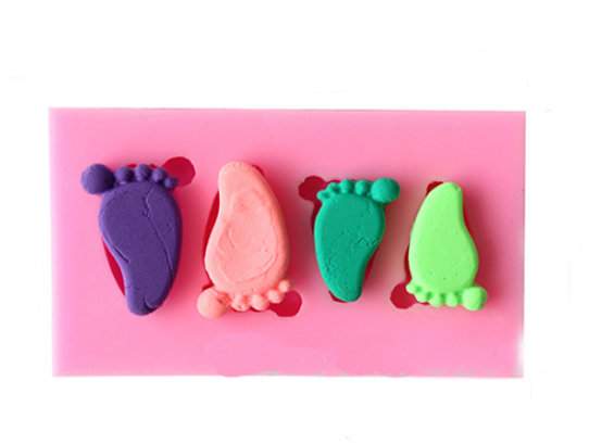 Cuatro pies de bebé
