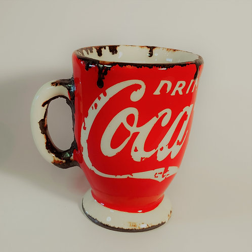 Cola Pottery Cup with foot