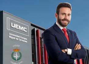 David García, primer educador físico que ostenta el cargo de Rector de universidad