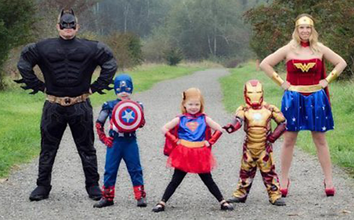 Superhero family Ministry of Costumes