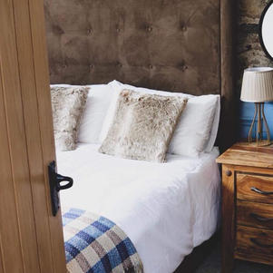 Hillside Lodge Master Bedroom