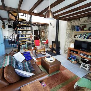 Hillside Lodge Downstairs