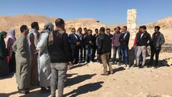 مدير محمية الدبابية ا. محمد عبده يشرح لطلاب المعسكر
