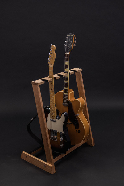 Guitarsbytheway38.jpg
