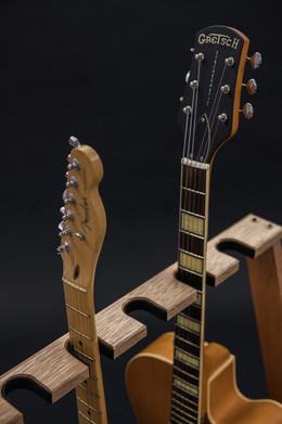 Guitarsbytheway44.jpg