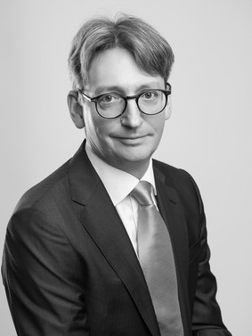 Professional-Business-Portraits-Surrey-R