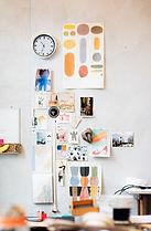 Inpsiration und Foto Collage an der Wand