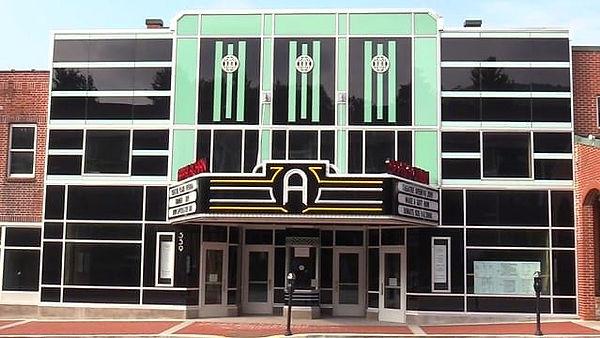 App Theatre Pic2_edited_edited.jpg