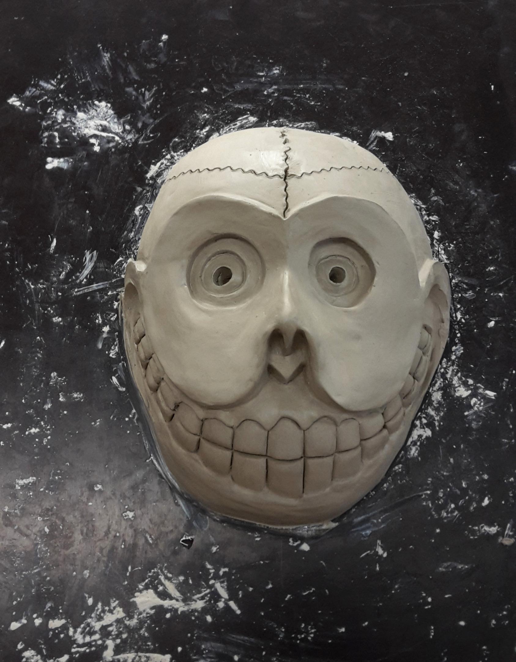 Masque en argile, inspiré de la fête des morts et de Alice aux pays des merveilles.