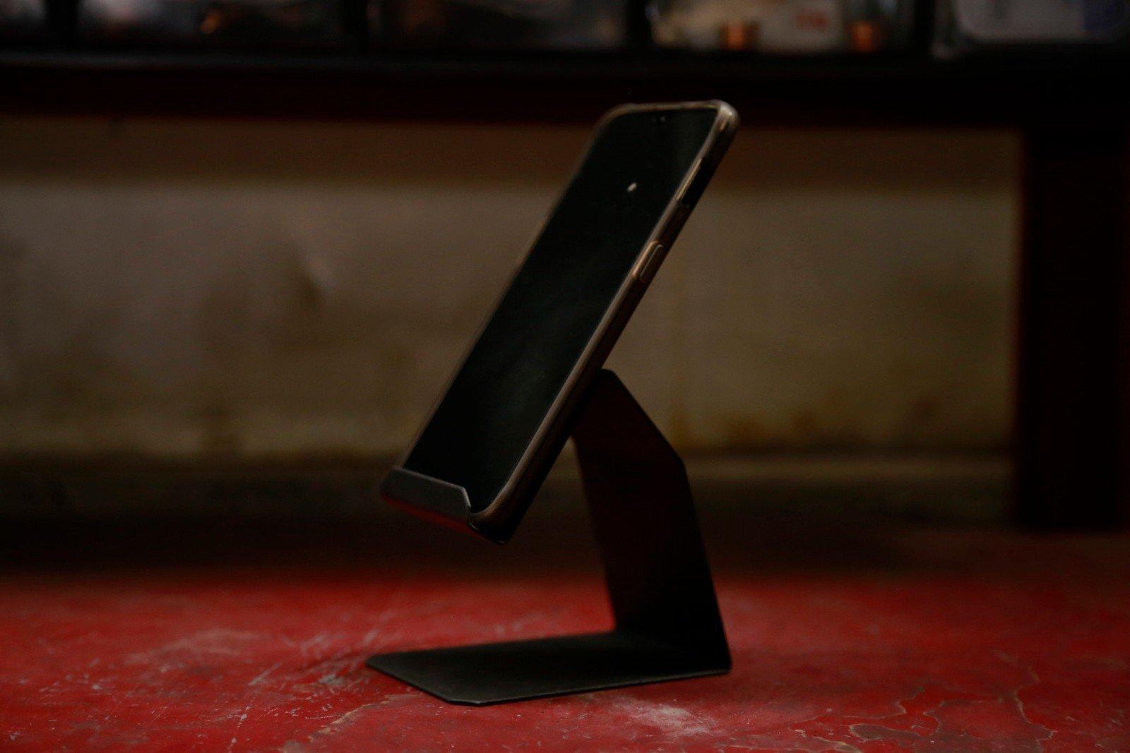 Phone Shtender