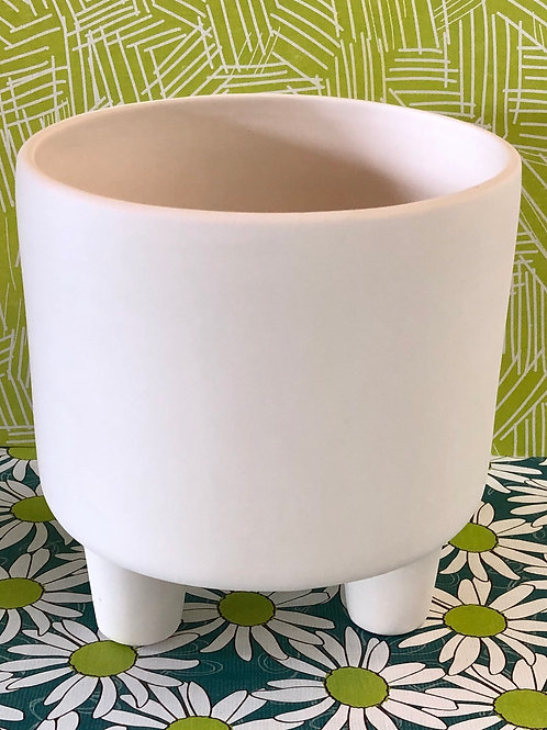 Footed planter