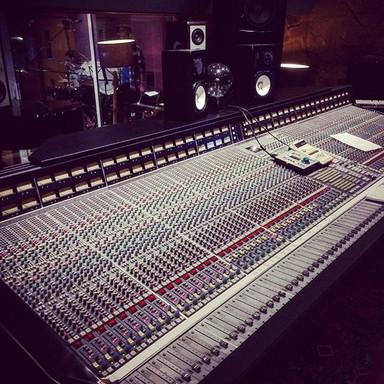 Livingstone Studio 1