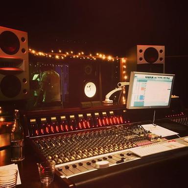 Livingstone Studio 2