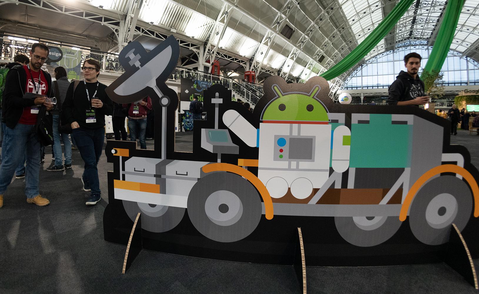 droidcon-Ldn-2019-slideshow-rover_stande