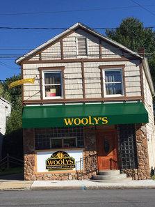 Wooly's Pub