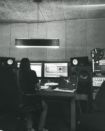 Amit studio 8.jpeg