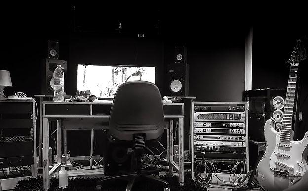 Amit studio 6.jpeg
