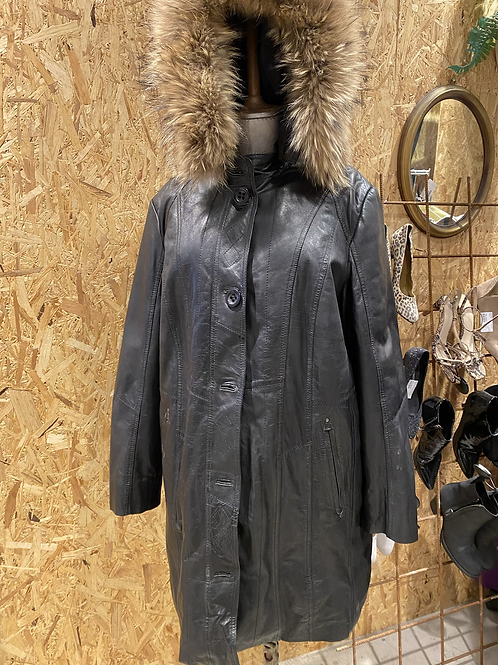 Sort læderjakke med pels