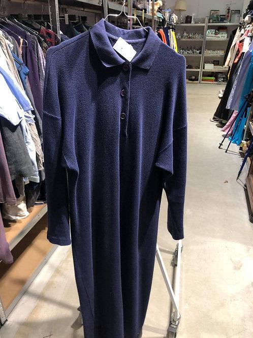 Blå lang strikkjole