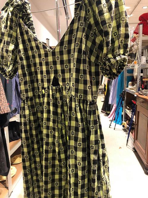 Gul/sort ternet kjole