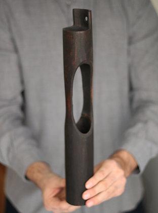 Vase en bambou brûlé
