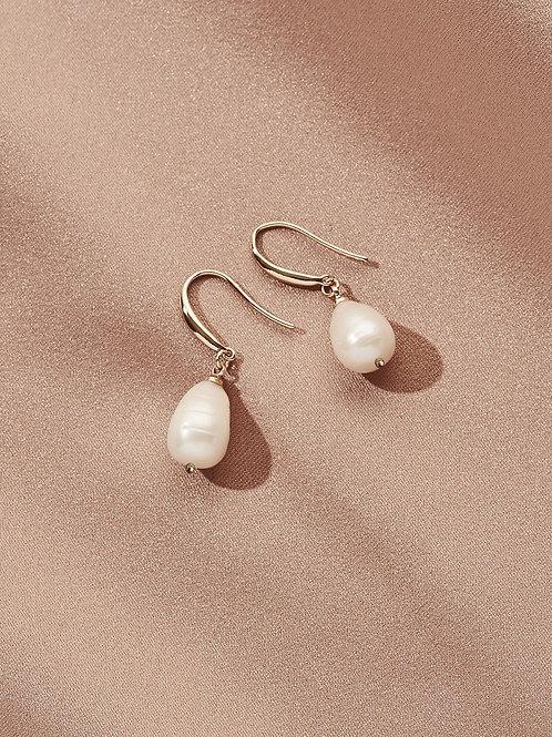 Prado Pearl Earrings