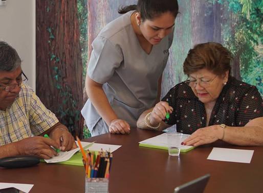 Los beneficios de un centro de día para los adultos mayores