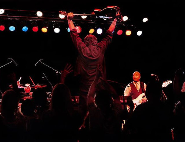 Burton Cummings and band