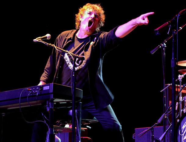 Burton Cummings and band in Las Vegas
