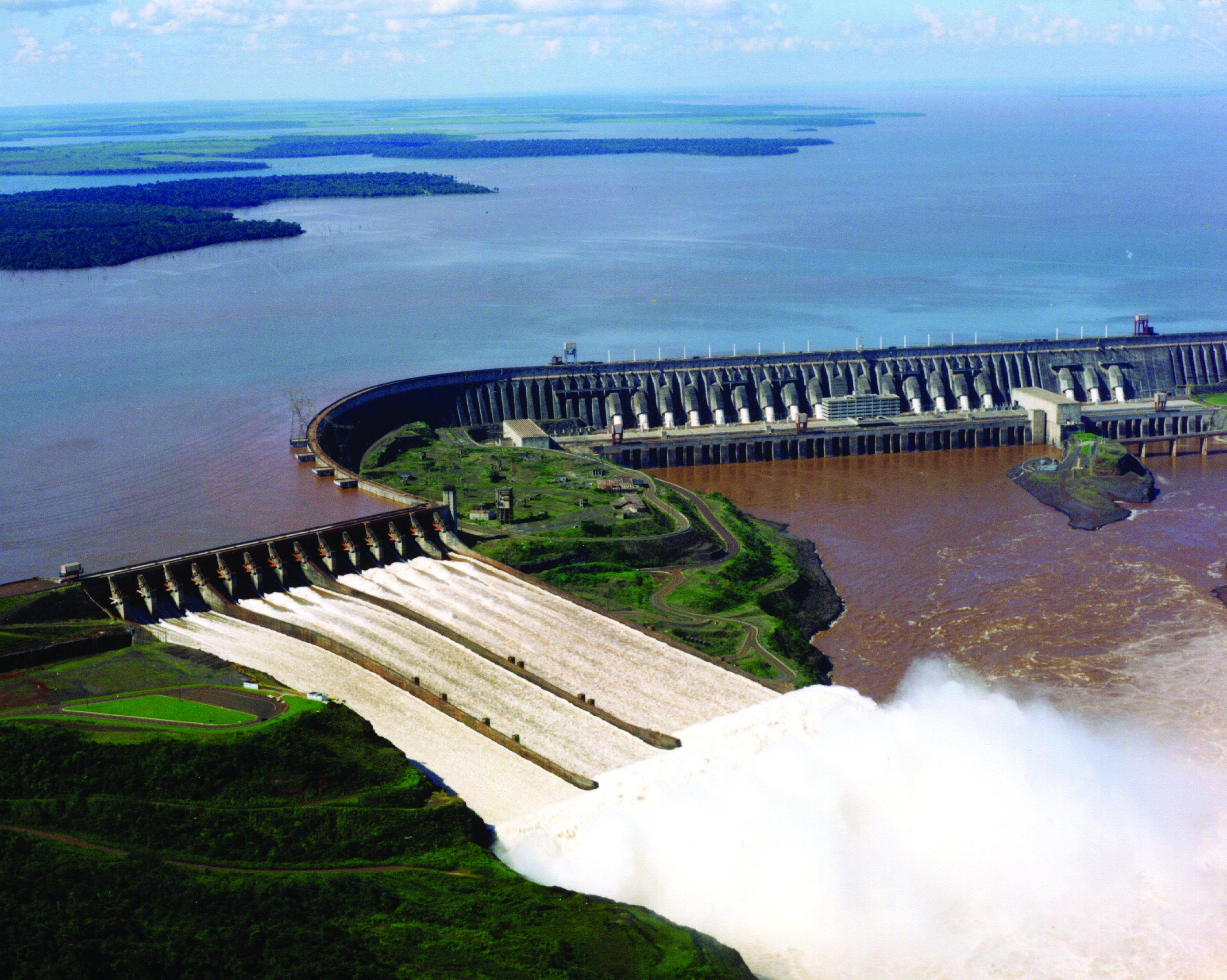 ciudad-del-este-usina-Itaipu-binacional-Cataratas-yguazu-turistas-verano-turismo
