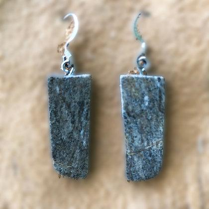 Old Style Dark Serpentine Slices