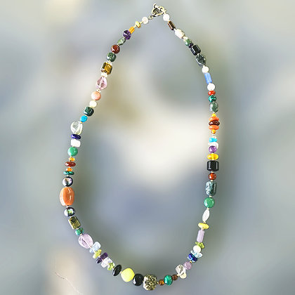 40+ semiprecious stones and pearls necklace